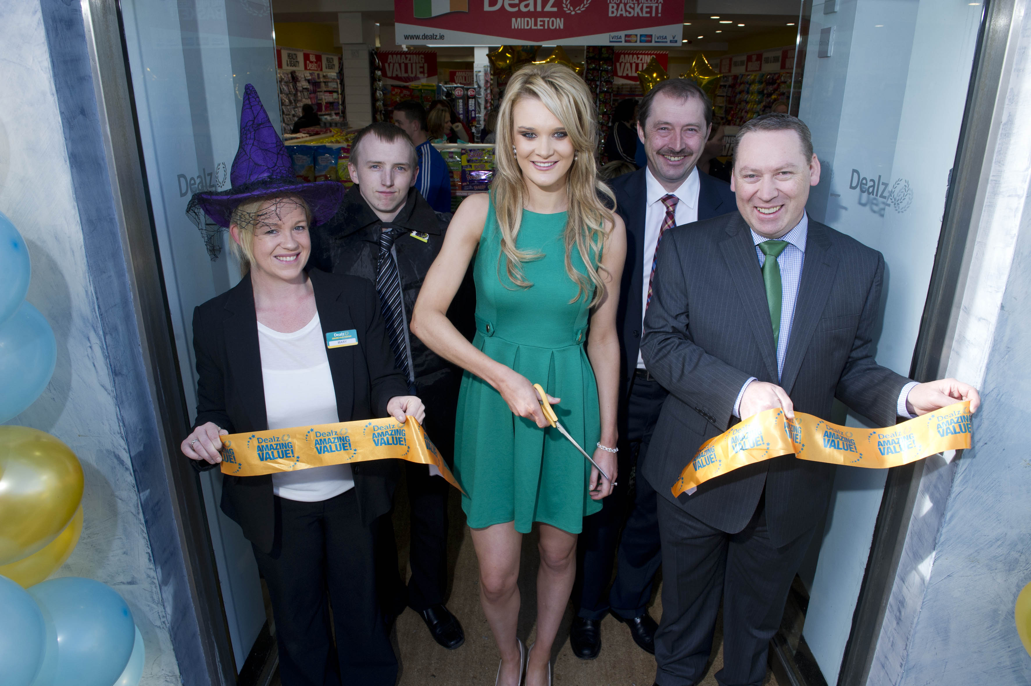 """Poundshop """"Dealz"""" opens second store in Cork – 20 new jobs"""