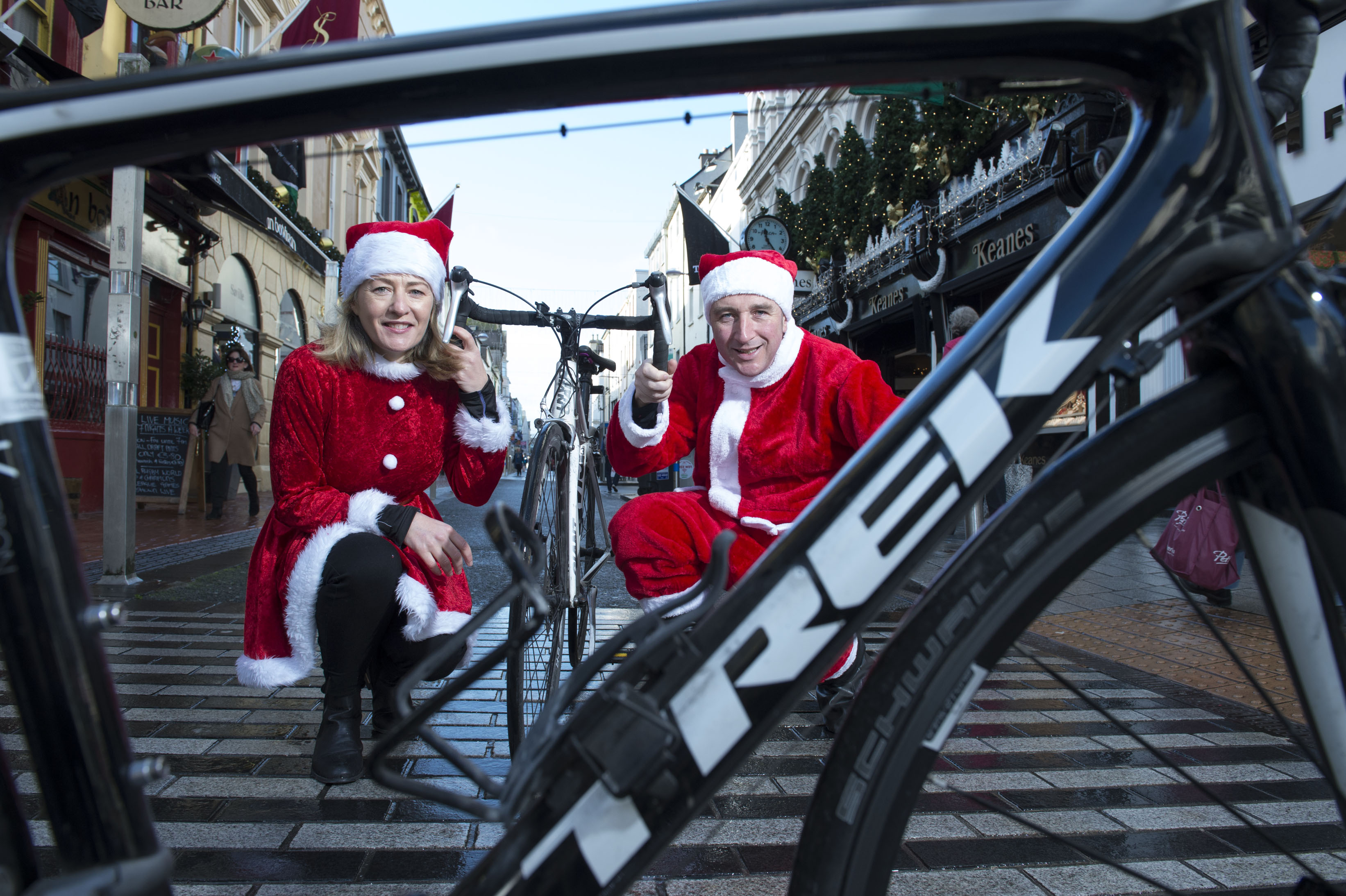 Paschal Sheehy launches 2015 Christmas Cracker Charity cycle