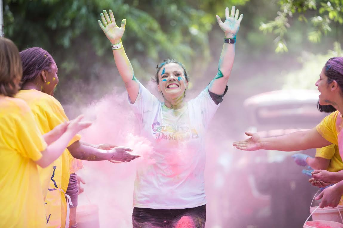 Large attendance at 'Colour Dash' run