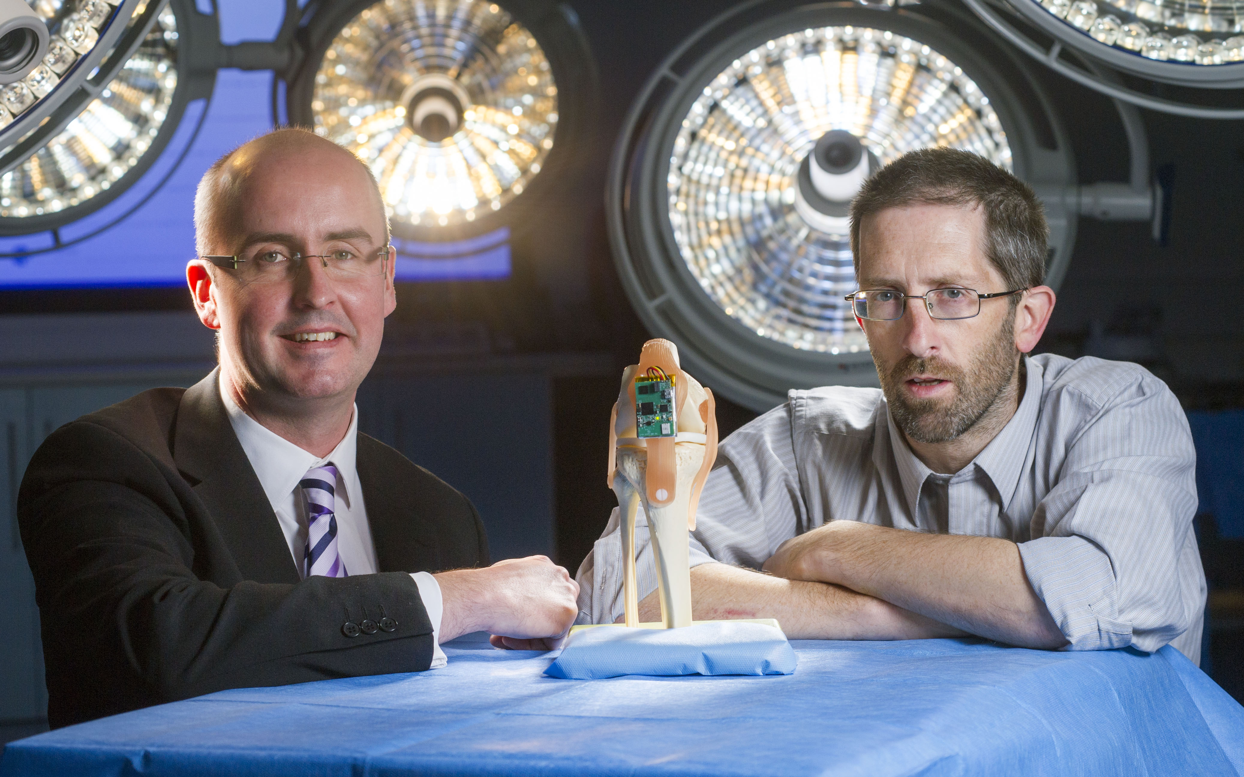 Heal knee faster after surgery – Cork scientists develop 'smart knee' device