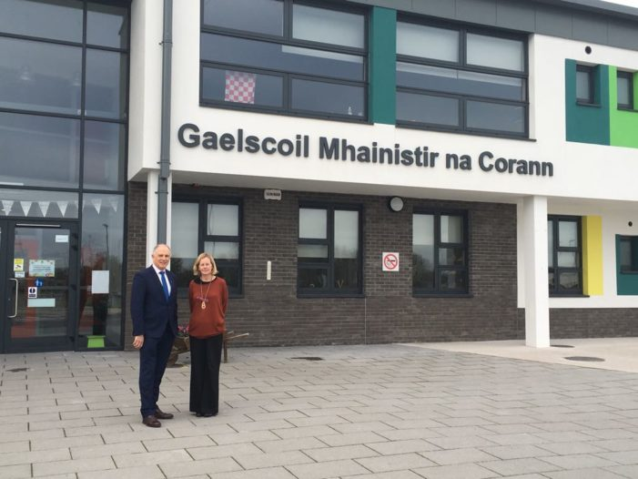 EAST CORK: Junior Minister David Stanton visits new schools – Gaelscoil & Educate Together School