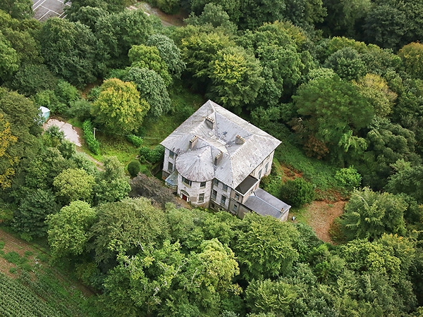 FOR SALE: €4.5m Mansion on 28 acres – ony 15 minutes drive from Cork City Centre